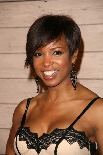 very short black hairstyles for women