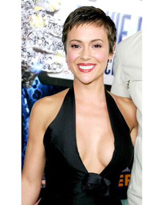 bang hairstyle pictures. Trendy short bangs hairstyle for summer fall 2009