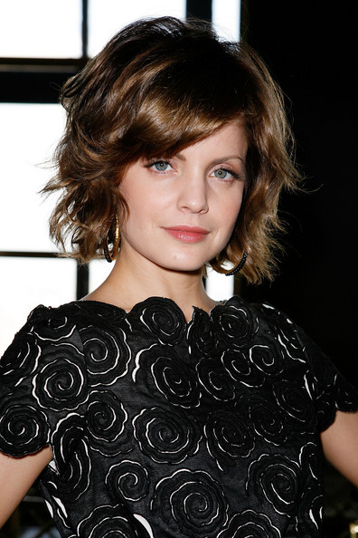 Good Fashion: Short Layered Bob Haircuts Pictures winter 2009
