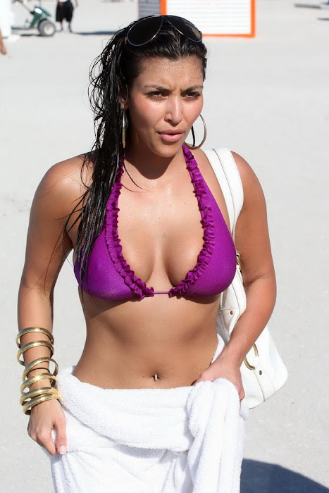 kim kardashian in bikini latest photos
