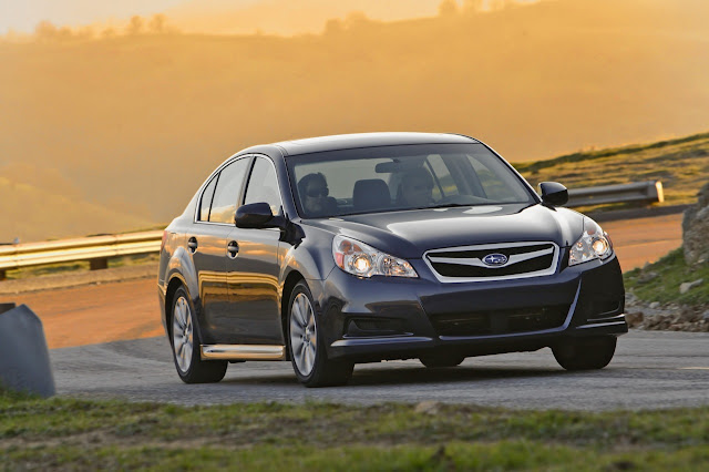 Front 3/4 view of 2011 Subaru Legacy