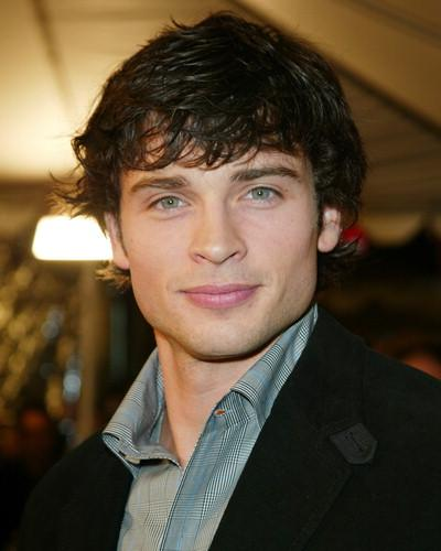Haircuts Fashion: Tom Welling Cool Mens Short Hairstyles Trends