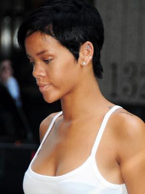 Rihanna's hairstyle: