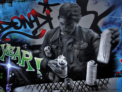 black graffiti wallpaper. Graffiti Wallpaper - Spray