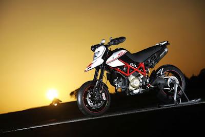 2010 Ducati Hypermotard 1100 EVO SP Motorcycle,ducati motorcycles
