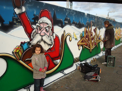 Graffiti Santa Claus, graffiti Merry Christmas