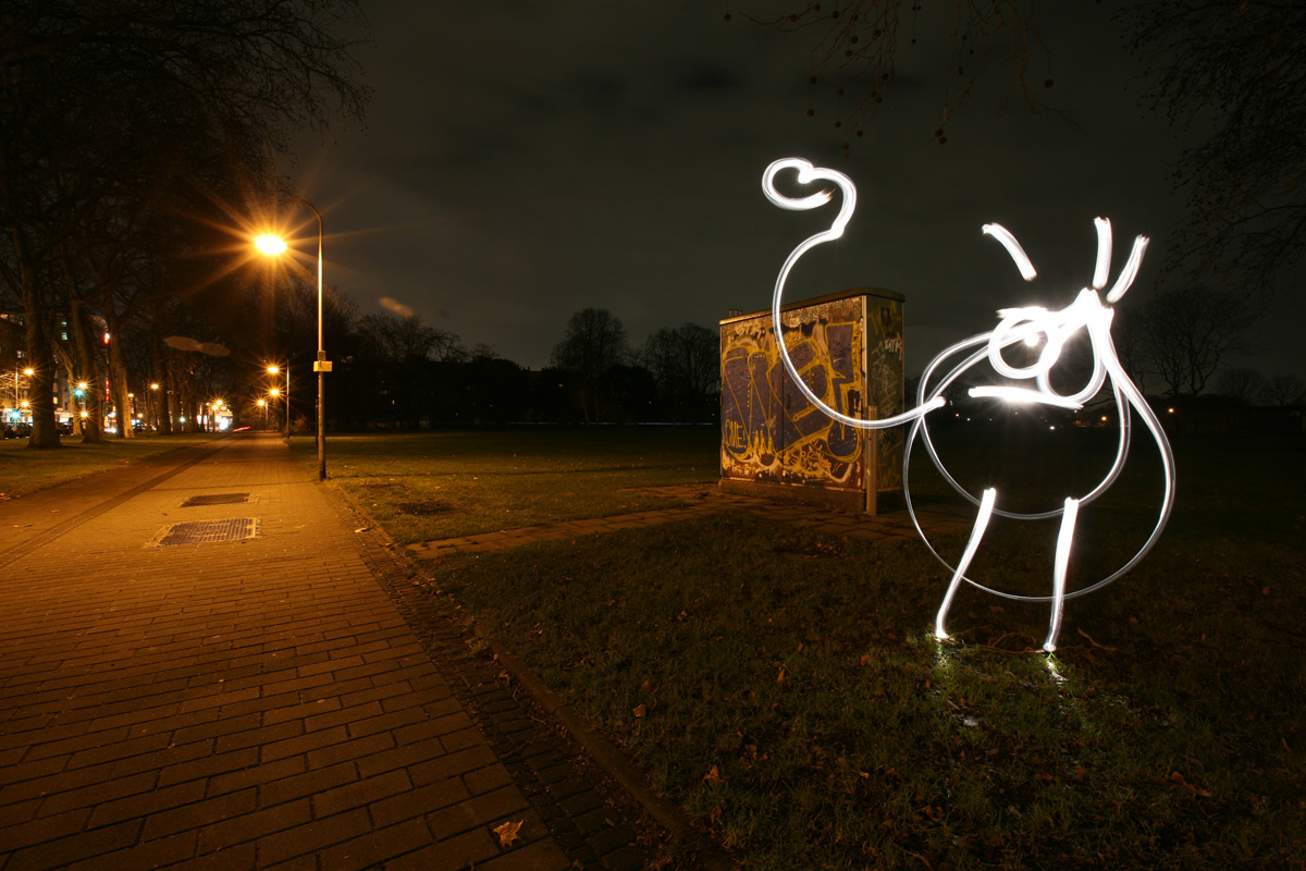 Graffiti Wallpapers: 25 Amazing of Light Graffiti Picture Collection