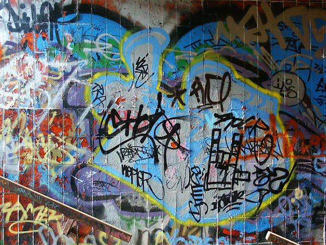 Graffiti design 50 amazing graffiti wallpapers backgrounds for graffiti wallpapersgraffiti backgrounds voltagebd Image collections