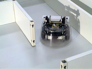 Robotul Rug Warrior Pro
