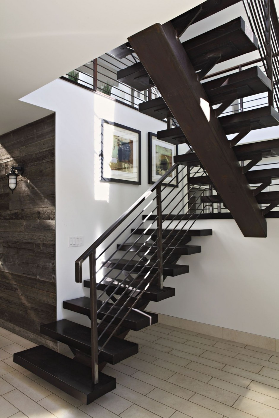 Lifeguard tower residence by lazar design build - Escaleras modernas interiores ...