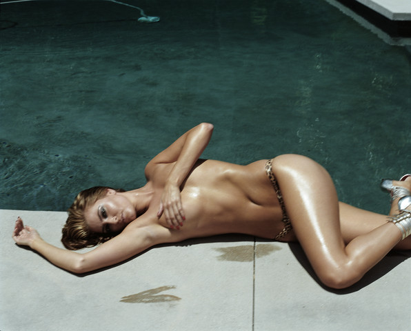 naked-joe: Holly Valance