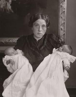 motherinjoyandgrief dans Photographie: Grands Photographes