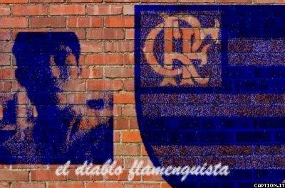 minha foto e a do simbolo do flamengo pixado em um muro