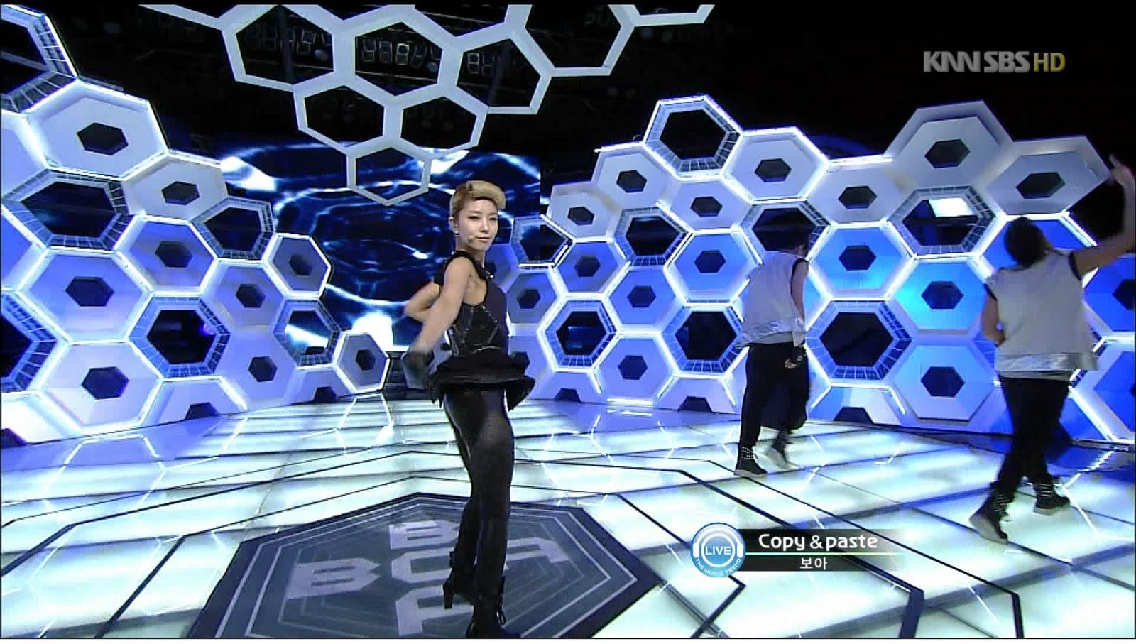 [Pics] BoA en Inkigayo {COPY & PASTE} A010b912399a3888c3fd78ca