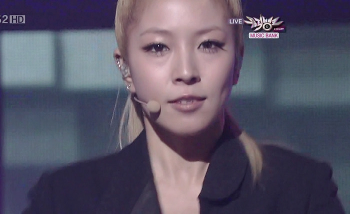 [Pics] BoA en Music Bank 110an