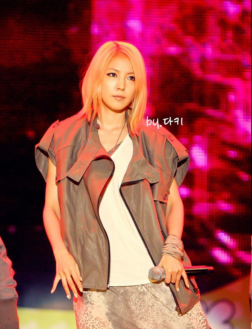 [Pics] BoA en Y Star Live Power Music  B60fd9f98b467611252df2d1