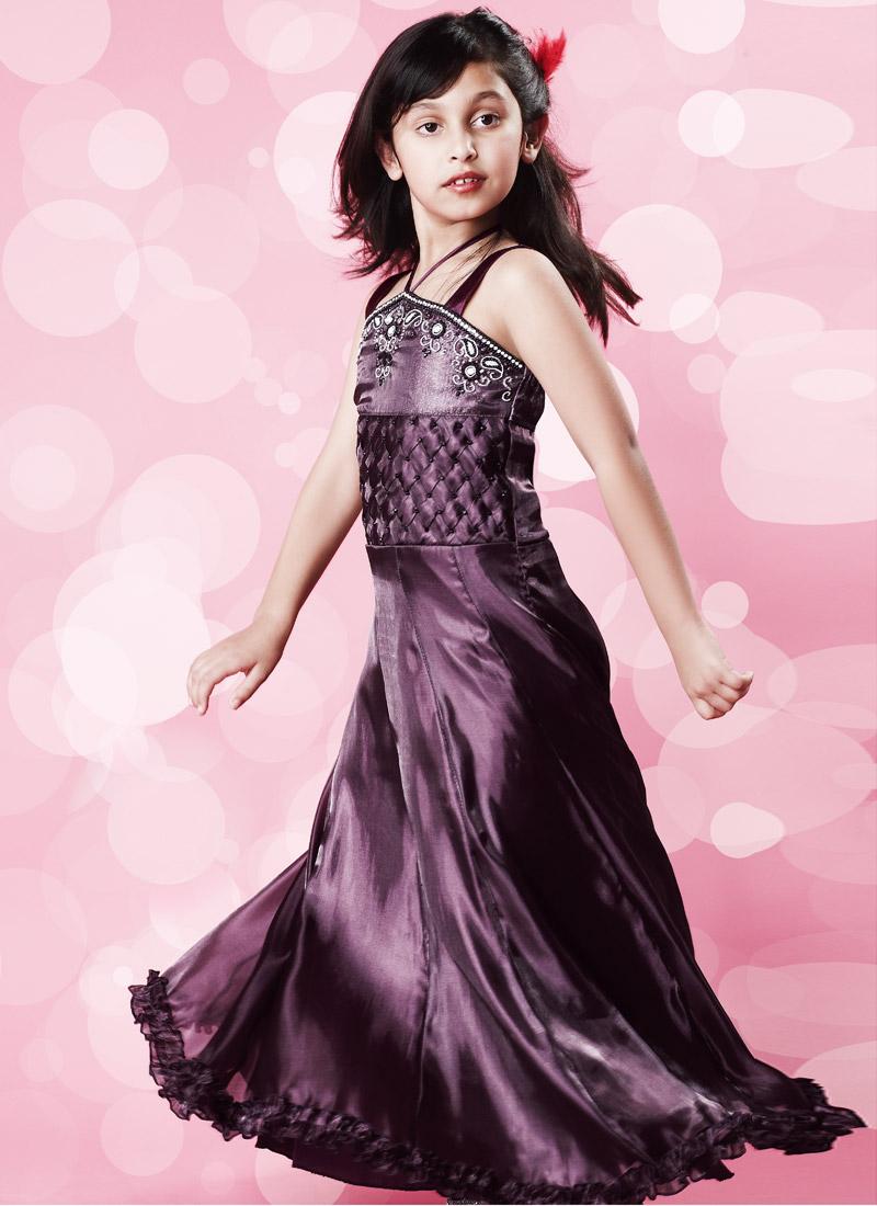 Asombroso Girls Party Wear Dress Ideas Ornamento Elaboración ...