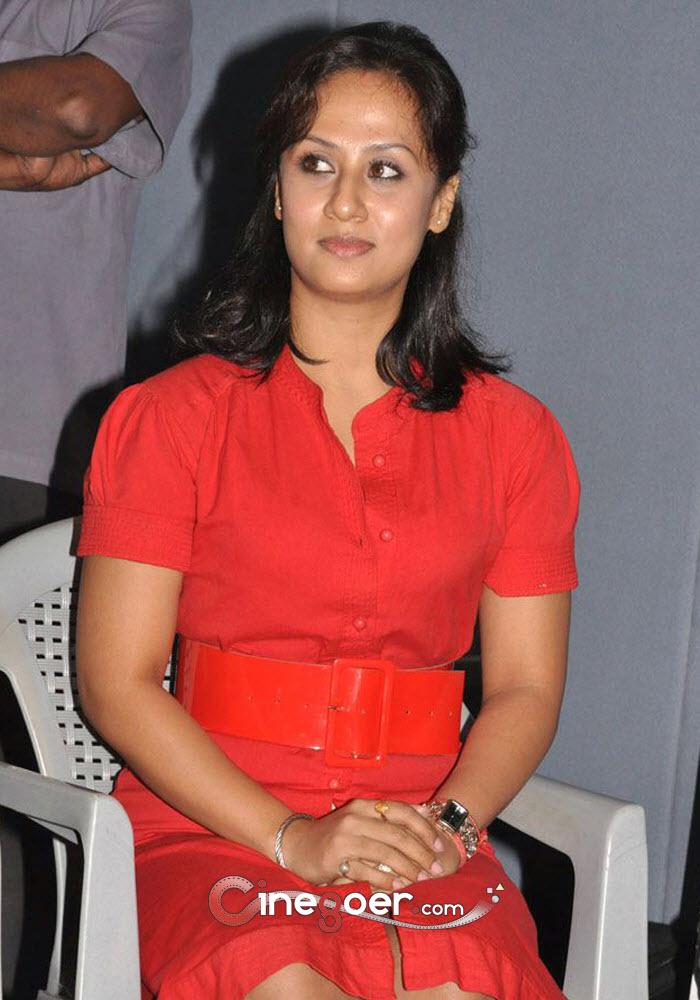Maanu Gallery, Maanu Stills, Actress Maanu Film gallery ...