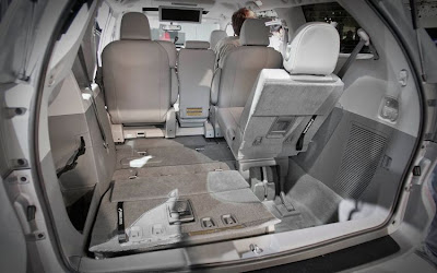 2011 Toyota Sienna viewer.review