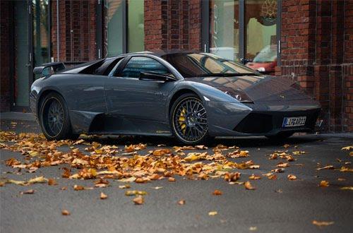 2011 Lamborghini Murcielago  figures front view