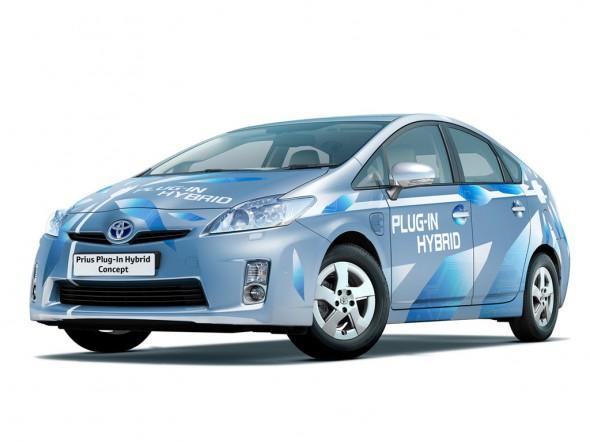 2011 Plug-in Prius Yaris FRONT VIEW