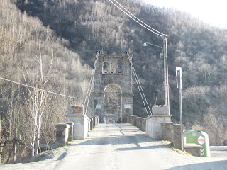 Morca Suspension Bridge - Mainland view