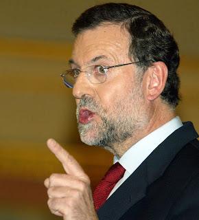 """AP pide en Segovia al Gobierno que sea """"leal"""" a la Corona española Rajoy"""