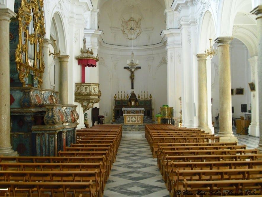 Interno della Chiesa Madre