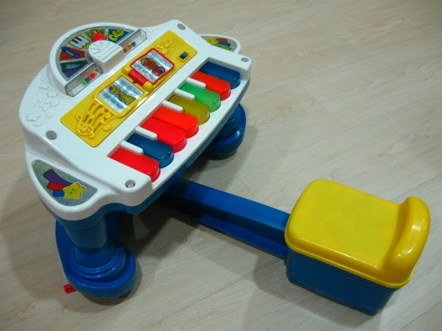 rent-our-toy: Fisher Price Sparkling Symphony rock and play piano at $18/mth