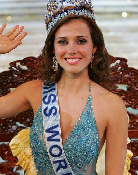 Last 21 miss world queens lovely clicks rosanna diane davison miss world for 2003 from ireland thecheapjerseys Images
