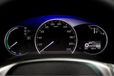 Lexus CT200 h - hybrid, changing mood