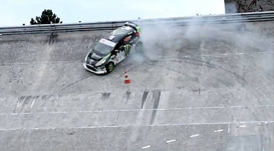 Ken Block in Linas Montlhery: The drift and slide on the ring gear (Video)