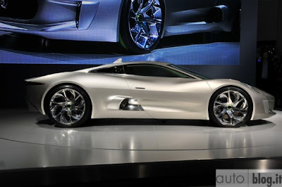 Concept Jaguar C-X75: First Live photos + video