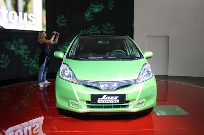 hybrid Honda Jazz 2011 Live in Paris
