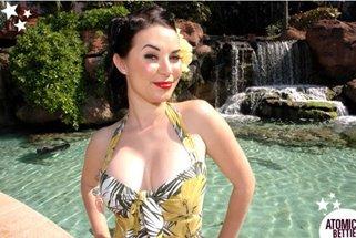 Ashley Dean - Model