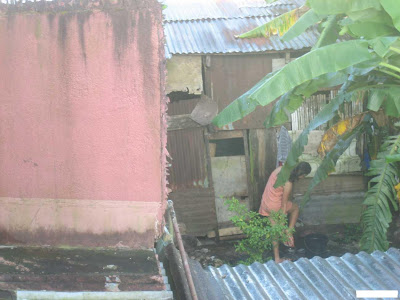 NGINTIP CEWEK LAGI MANDI (5 PICS)