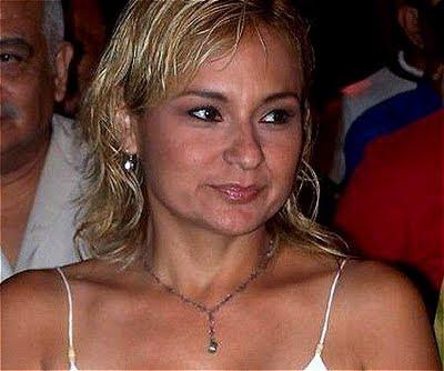 Norka Ramírez con cabello rubio