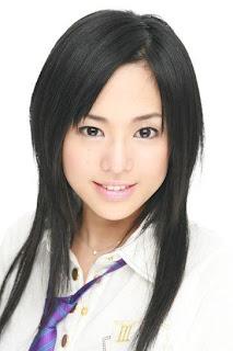 Sora Aoi con cabello suelto
