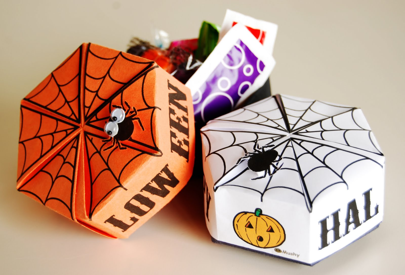Mushy: Printable Halloween origami box