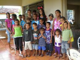 minie uma volutaria bacana as crianças adoraram bricar com voce .obrigado fulvia pela alegria