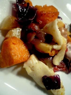 Nigella's ugnsbakade potatisar med halloumiost