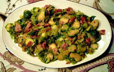Brysselkål med bacon och lök