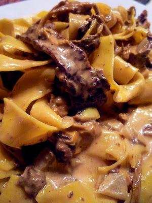Pasta med krämig svamp och lövbiffsås