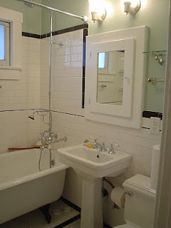 Rose city bungalow 1913 bathroom tile design ideas for Bungalow bathroom designs
