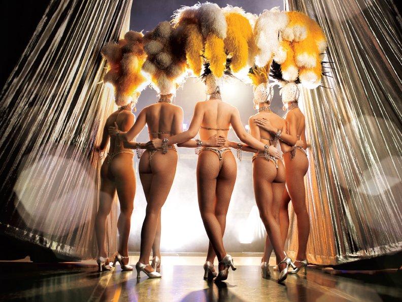 Танцующие девушки голые фото