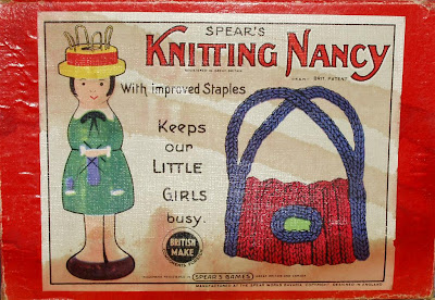 000aknbox%2B(Large) Knitting Nancy
