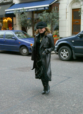 Joan Collins Boots http://darsupilami.blogspot.com/2009/07/joan-collins-in-leather.html
