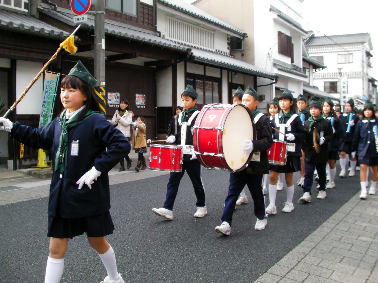 寒さにも負けず、立派に演奏を続けたその姿は、消防団の出初め式にふさわし... 山田小学校ブログ