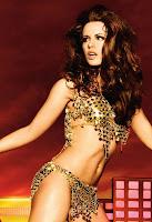 Пышноволосай брюнетка Кейт Бекинсейл в рекламе Absolut