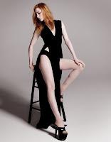 Фотография Эван Рэйчел Вуд в черном платье на высоких каблуках